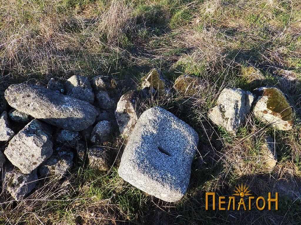 Објект од камен за цедење или мелење семиња или друг материјал 2