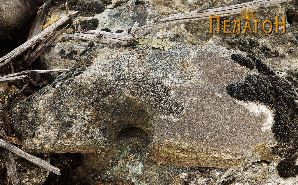 Фрагмент од камена рачна мелница 6