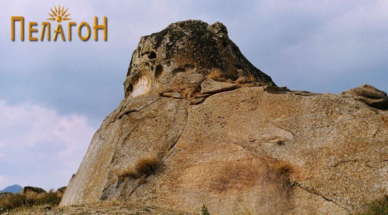 Фасцинантна карпа, делумно уништена, од југоисточната страна 4