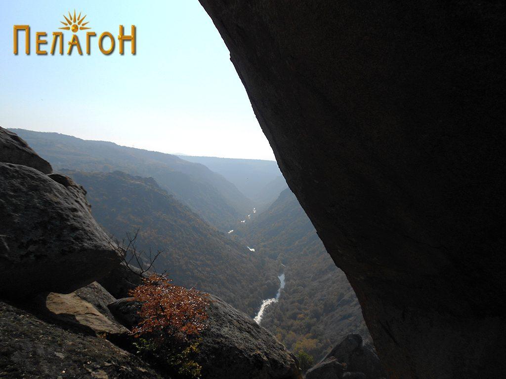Од течението на Црна Река во атарот на селото Манастир