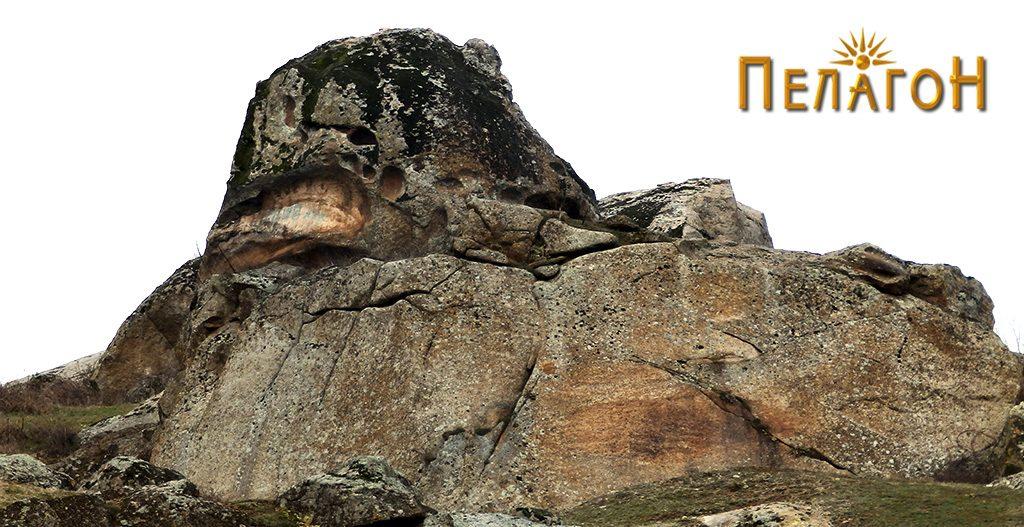 Фасцинантна карпа, делумно уништена, од југоисточната страна 3