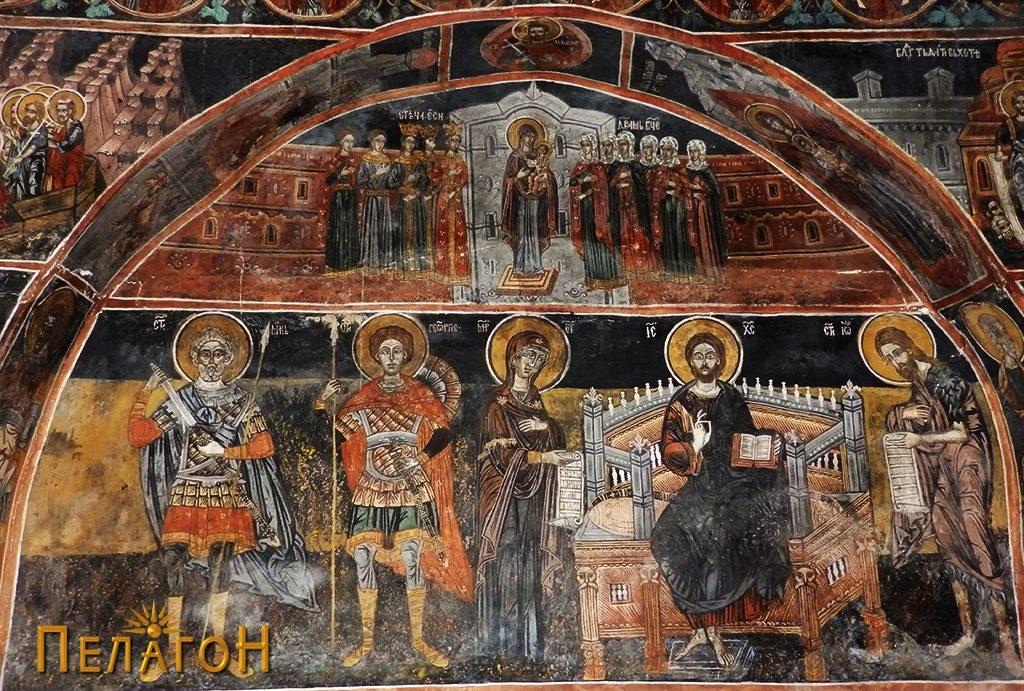 Поголемата ниша на северниот ѕид - десно Исус Христос на трон, св. Богородица од неговата десна страна и св. Јован од неговата лева страна, лево, св. Мина и св. Ѓорѓи