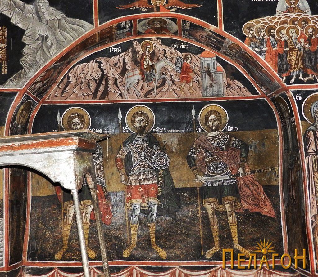 Св. Теодор Тирон, св. Теодор Стратилат и св. Никита во помалата ниша на јужниот ѕид