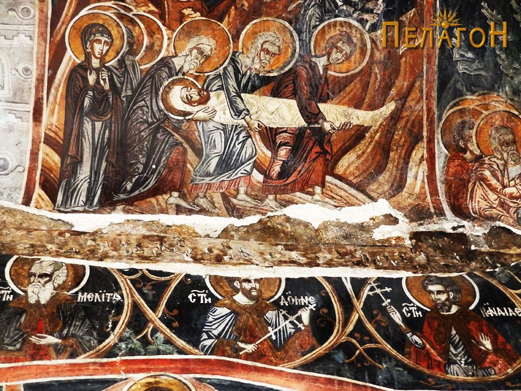 Од северниот ѕид - Носењето на Исус во гробот со дел од сводот на помалата ниша