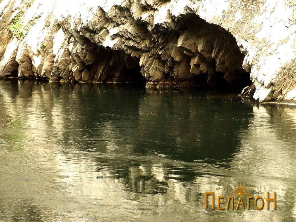 Од бреговите на Црна Река во Мариово