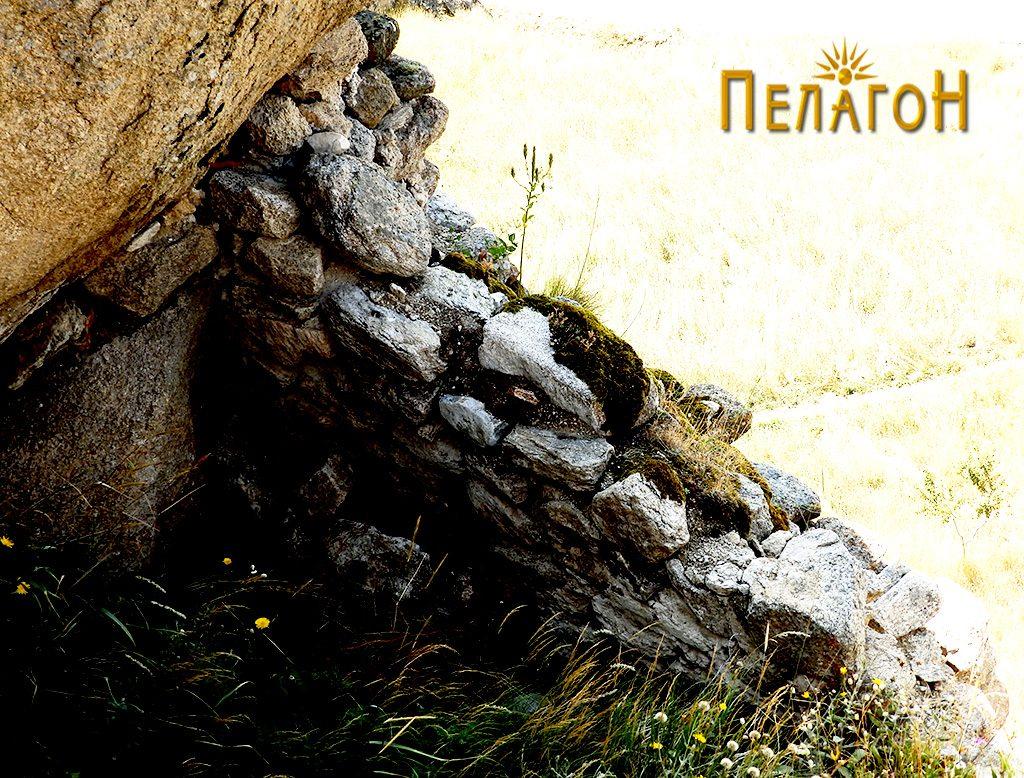 """Остаток од ѕид и дел од просаторија на """"Лавот"""" 2"""