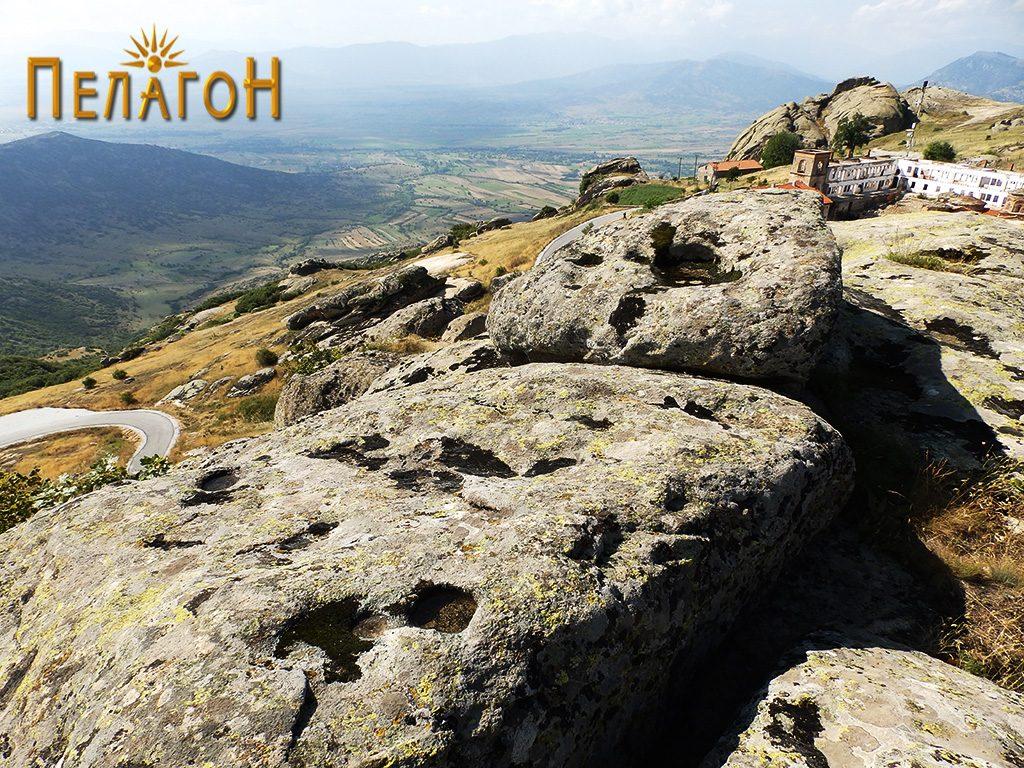 Зарамнети хоризонтални површини по карпите на највисокиот дел со обработени делови за греди 2