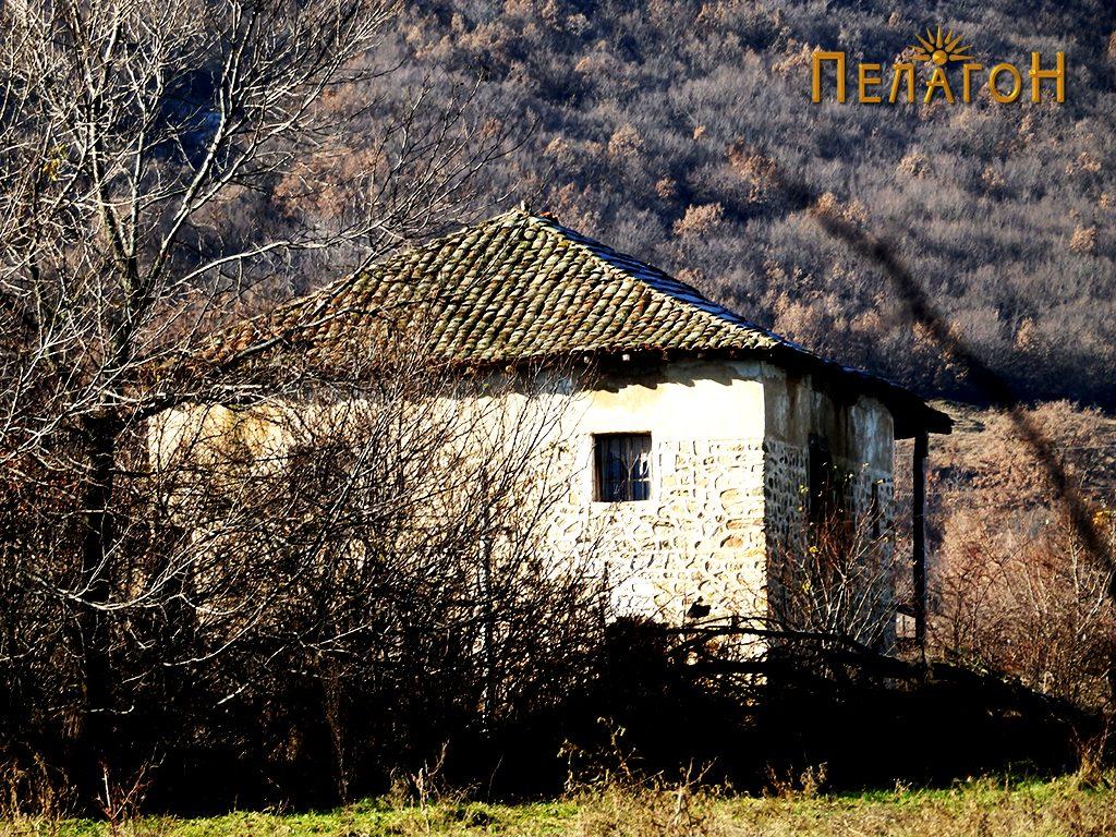 Една од кулите во селото, која потекнува од турскиот период