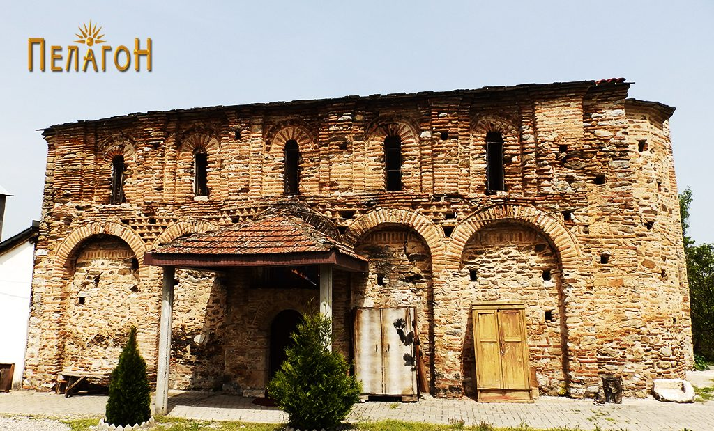 """Црквата """"Св. Димитрија"""" од јужната страна"""