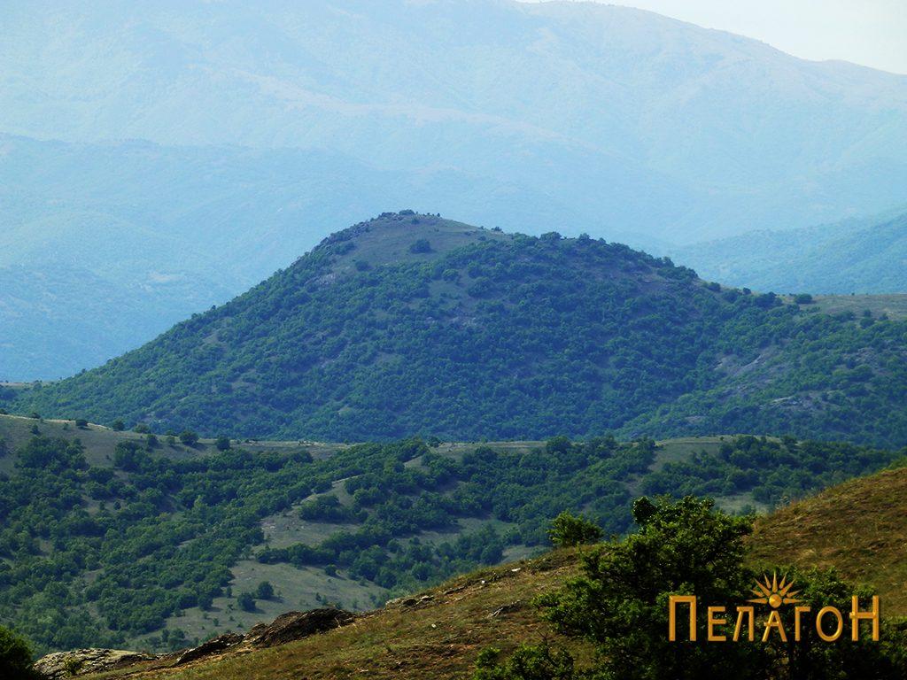 Поглед на историскиот врв Маргара кај селото Чаниште