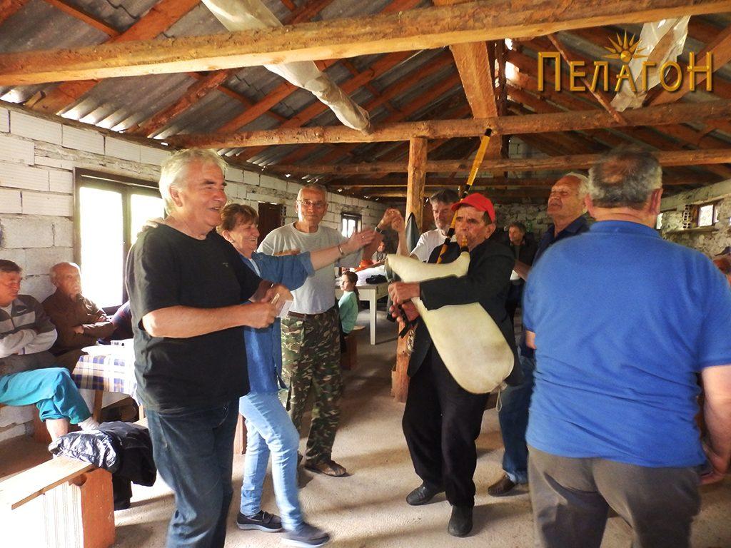 Прослава со традиционален инструмент - гајда 2