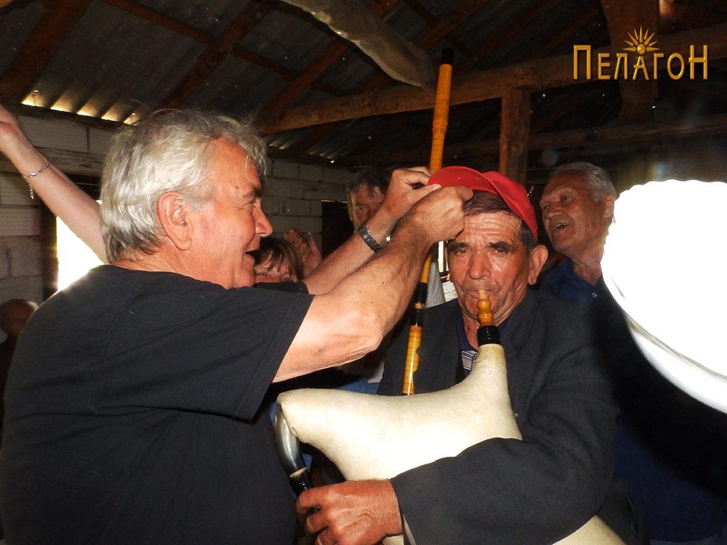 Прослава со традиционален инструмент - гајда