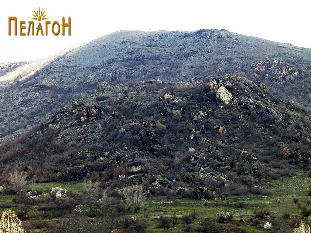 Локалитетот Маркови Кули (Градиштето) од страната на селото 3