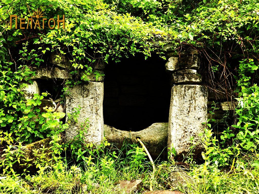 Кладенецот со култните камени блокови 4