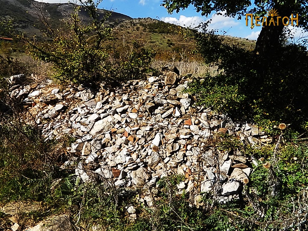 "Грамада градежен камен од л. ""Манастирот"""