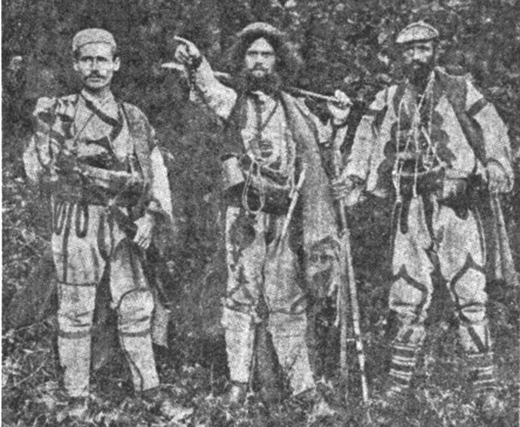 Војводите Мирче Најденов, Тане Николов и Ѓоре Спирков - Ленишатнецот
