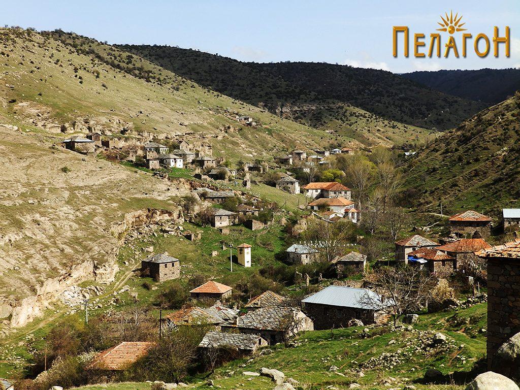 Селото Полќиште од запад