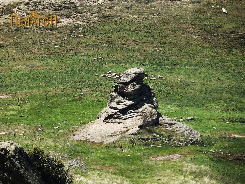 Централната култна карпа на Гумење од сверозапад