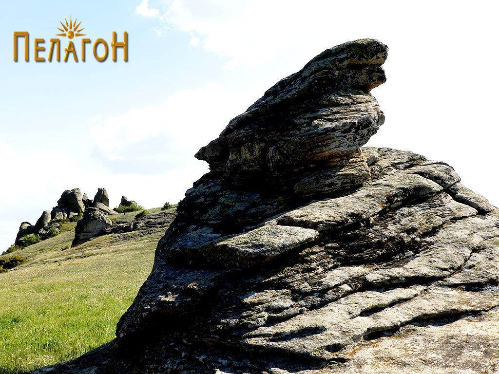 Централната култна карпа на Гумење од североисток 2