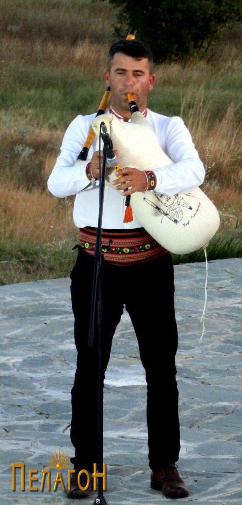 """Нинатогодишниот добитник на """"Гајдата на Пеце"""", Кире Ризоски од селото Боротино, Прилепско"""