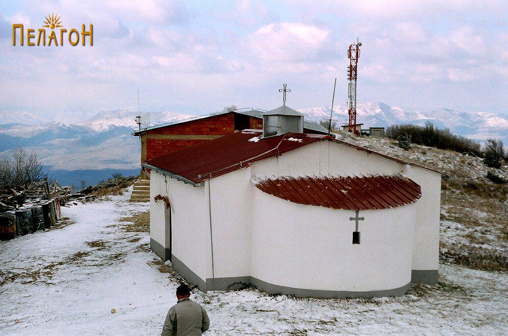 Поголемата црква на Панделе
