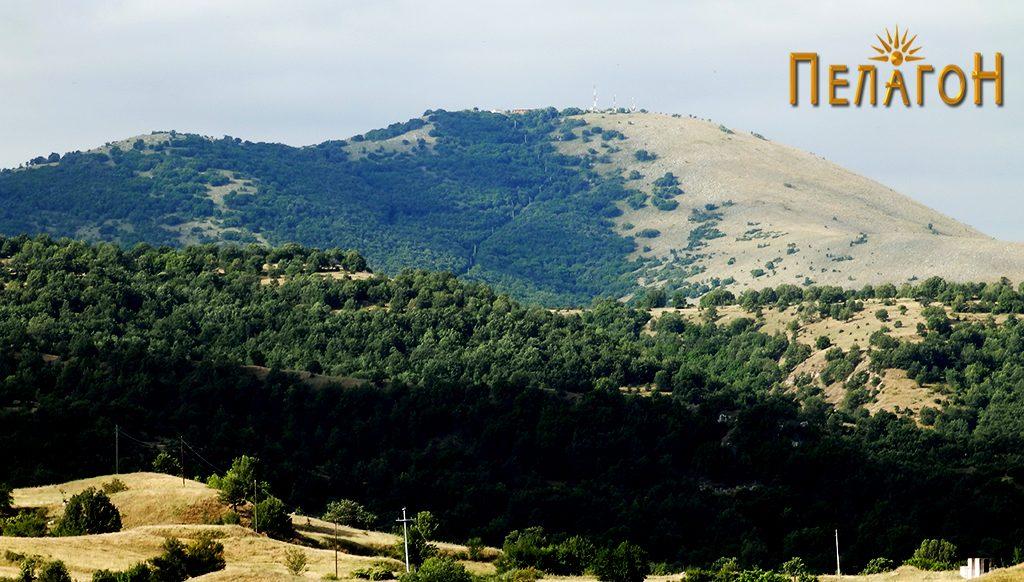 Ридот Скрка со врвот Панделе