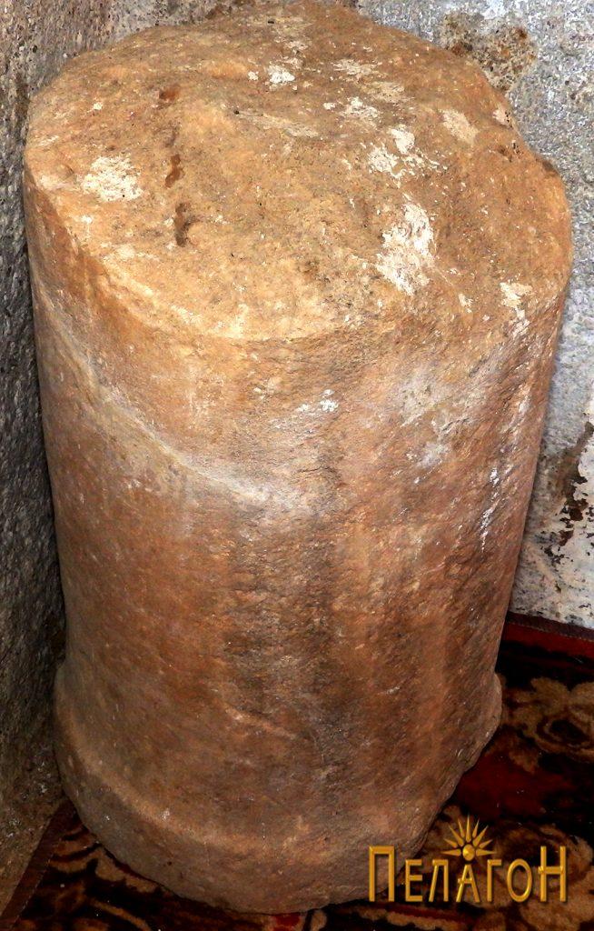 Мермерен столб - фрагмент