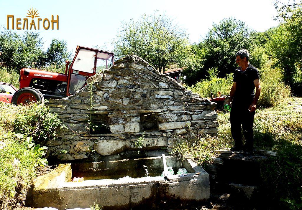 Селската чешма во Живово