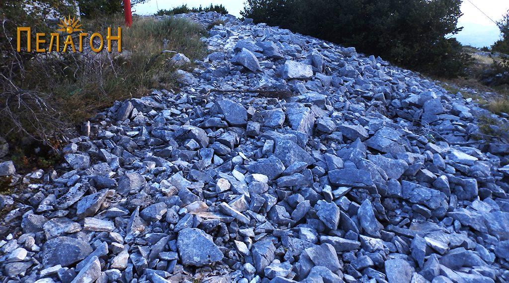 Остатоци од ѕидот на старото утврдување 9