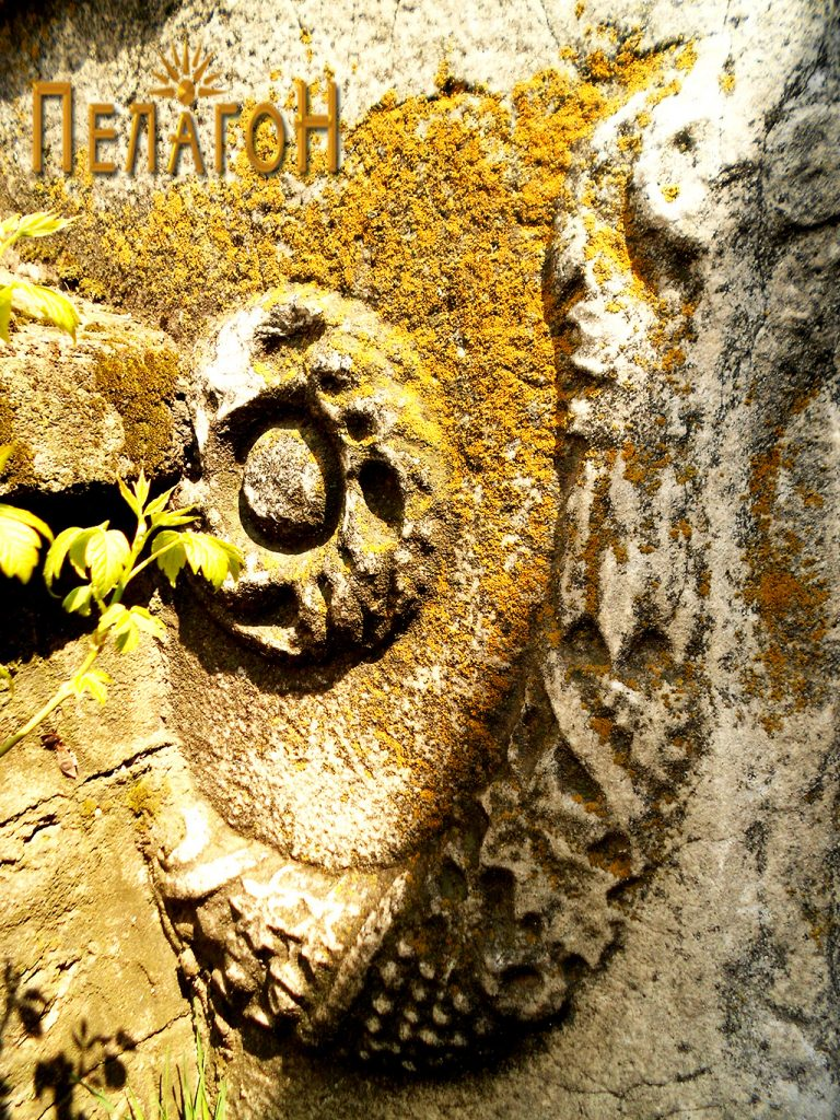 """Од украсувањето на мермерните споменици од """"Владиков Гроб"""""""