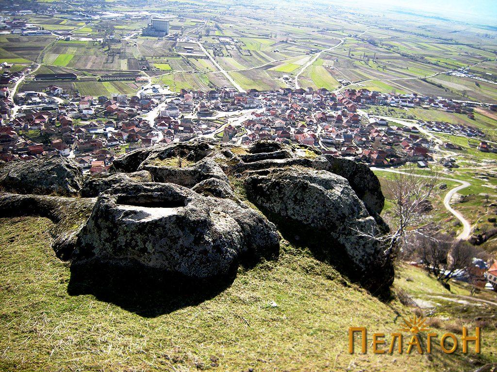 """Некрополата во камен од југозападната страна на """"Рамниште"""" 3"""