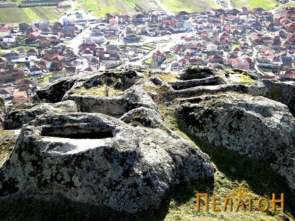 """Некрополата во камен од југозападната страна на """"Рамниште"""" 2"""