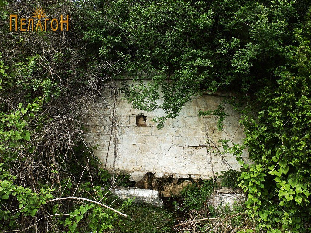 """Чешма крај стариот пат за Скопје во близина на локалитетот """"Садои"""""""