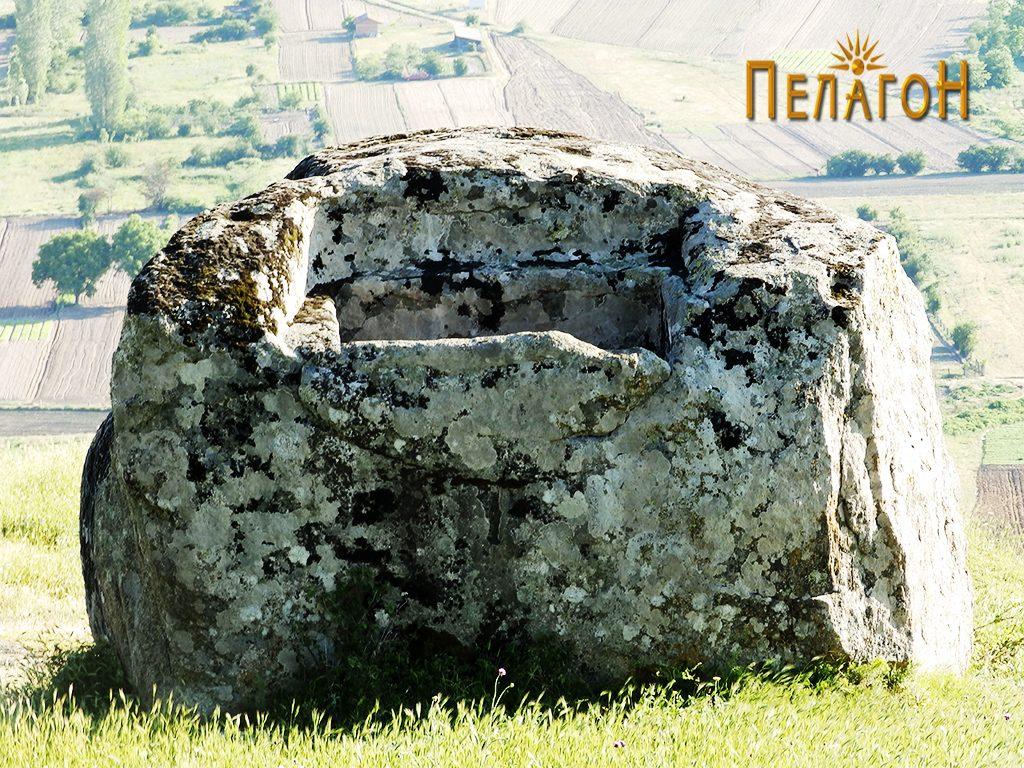 """Карпа со голем издлабен правоаголен објект на """"Рамниште"""" 2"""
