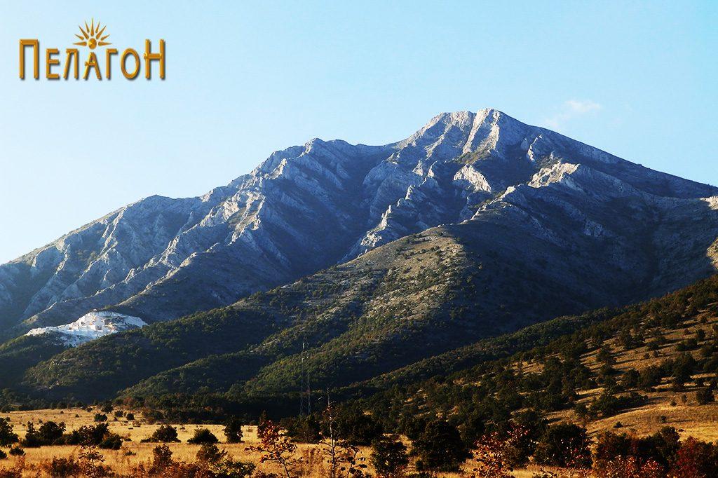 """Врвот Козјак - поглед од локалитетот """"Садои"""""""