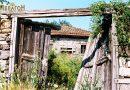 Куќата на Калешковци во Витолиште во која живеел Стојан Калешковски - Докторчето со портата