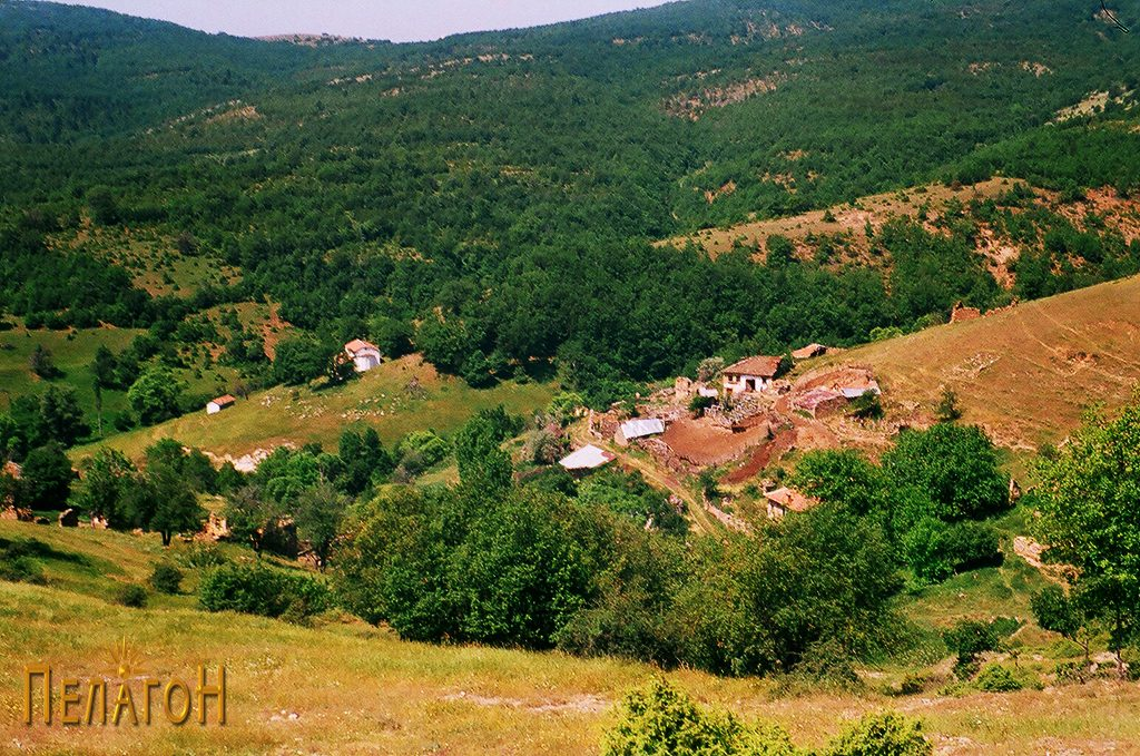 Селото Живово со црквата