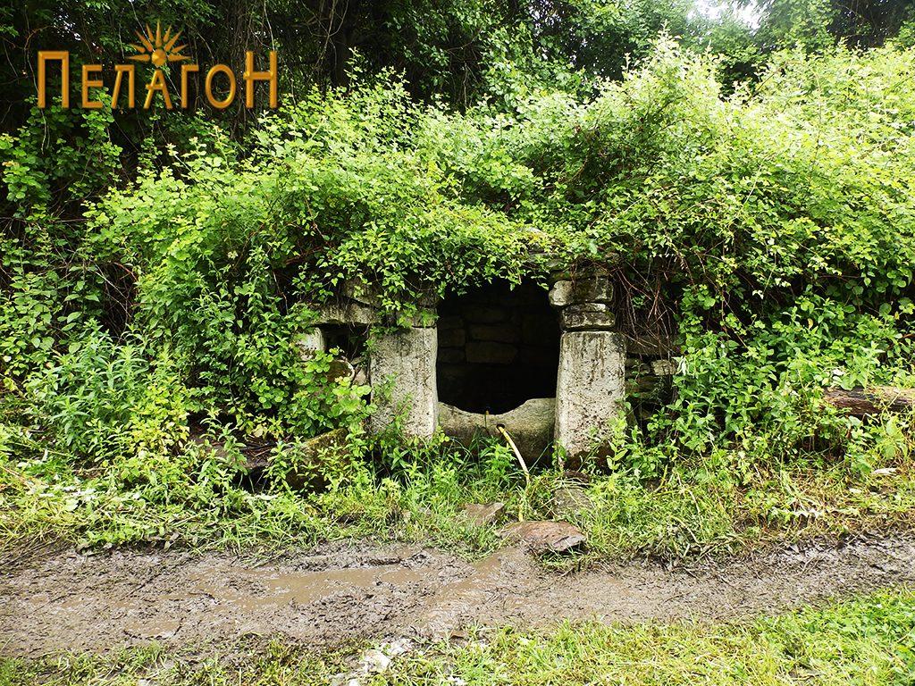 Кладенец-чешма во селото Врпско