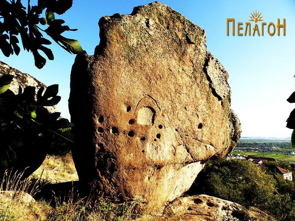 Карпа - менхир со голем број културни траги 2