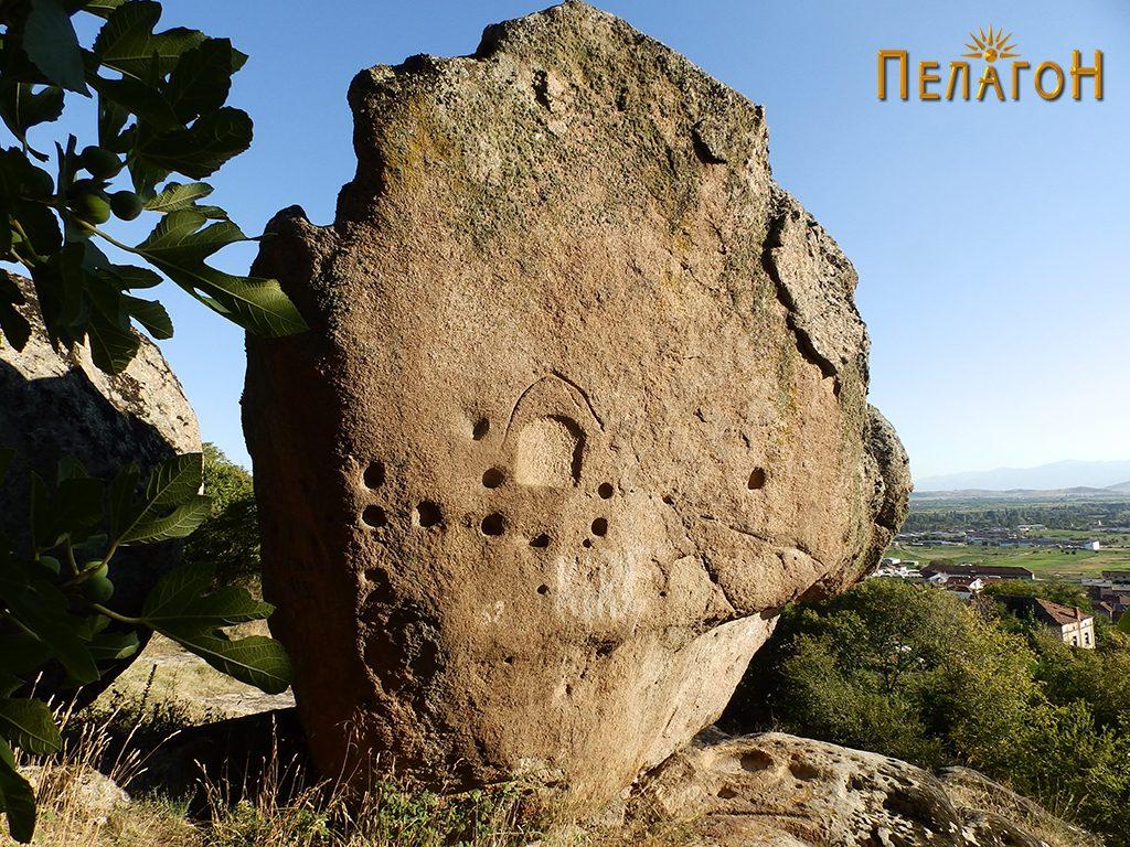 Карпа - менхир со голем број културни траги
