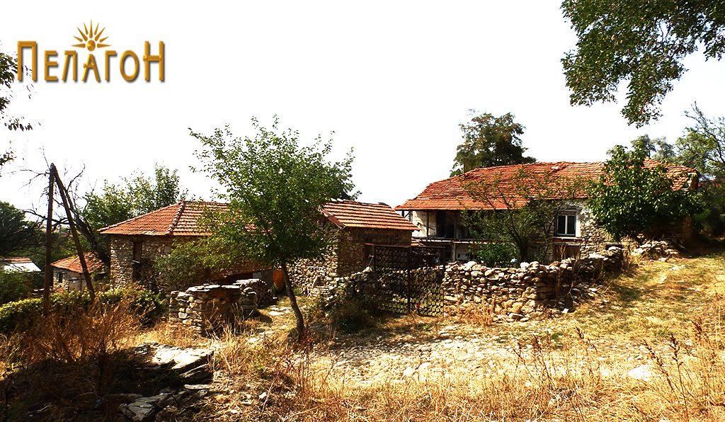 На ова место во Лениште се наоѓала куќата во која живеел Ѓоре Леништанецот