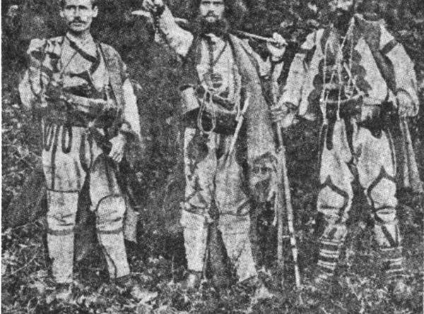 Мирче Најденов, тане Николов и Ѓоре Леништанецот