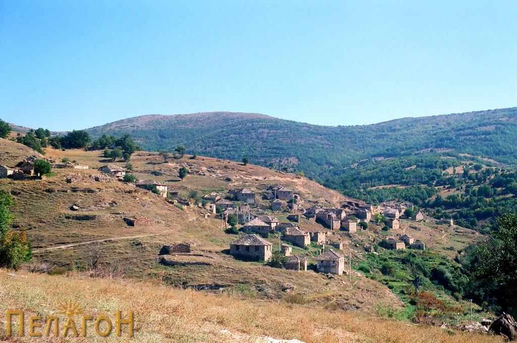 Селото Вепрчани од запад