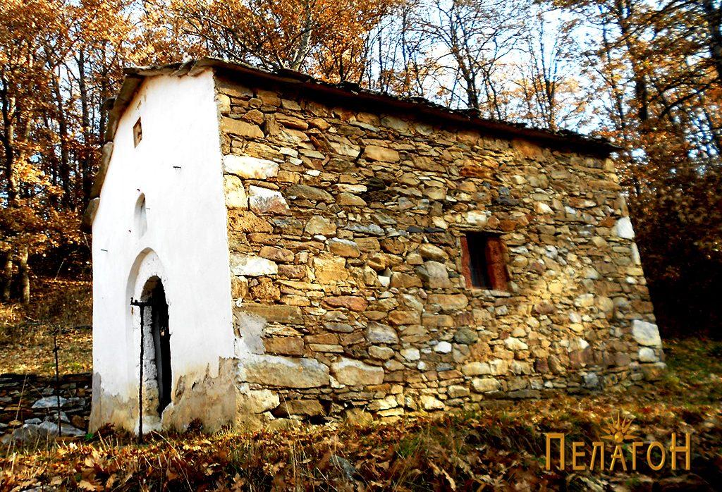 """Малата црква во манастирот """"Св. Богородица"""""""