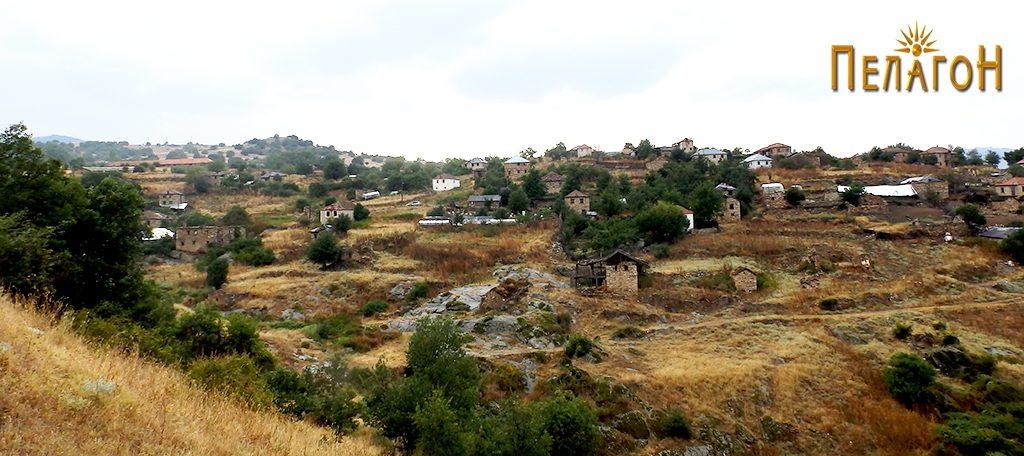 Селото Рапеш - родното село на Кузумчето