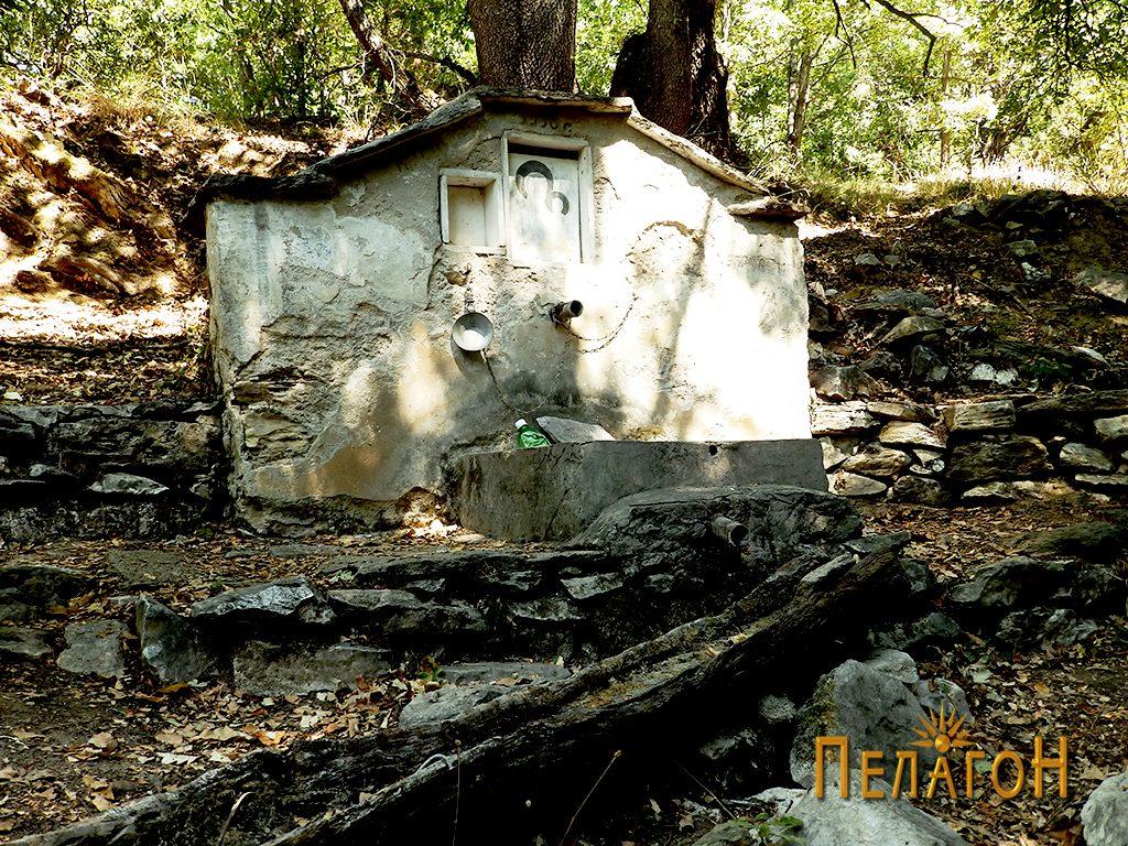 "Чешмата кај манастирот ""Св. Богородица"""