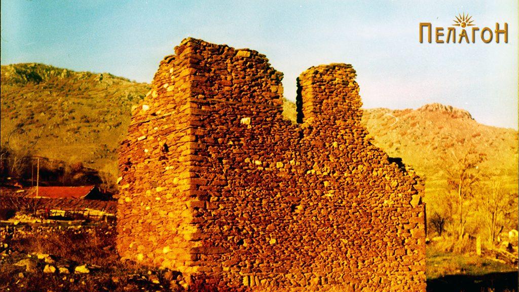 Остатоци од кулата на Дабовци во која била лоцирана четата