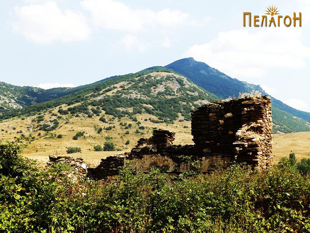 Остатоци од кулата на Дабовци во која била лоцирана четата 6
